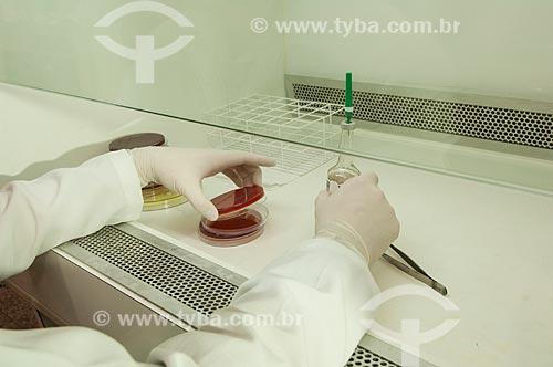 Assunto: Laboratório de Bacteriologia do Hospital dos Servidores do Estado - um dos primeiros da rede pública a realizar teste de HIV / Local: Rio de Janeiro (RJ) - Brasil / Data: 08/2010