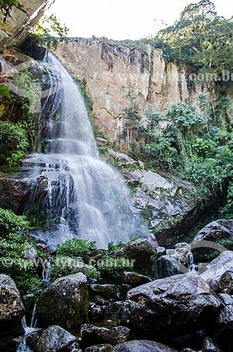 Assunto: Cachoeira Véu da Noiva na trilha de acesso ao Pico do Glória - Parque Nacional da Serra dos Órgãos / Local: Petrópolis - Rio de Janeiro (RJ) - Brasil / Data: 04/2014
