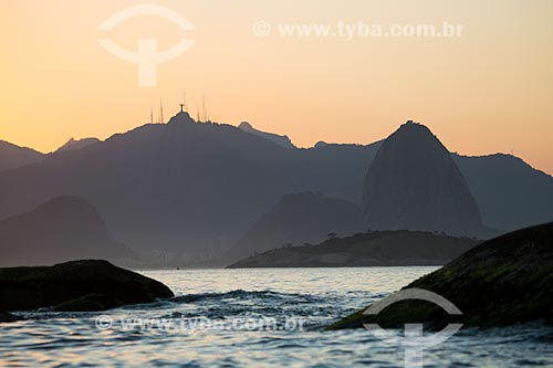 Assunto: Pôr do sol visto a partir de Camboinhas / Local: Rio de Janeiro (RJ) - Brasil / Data: 03/2014