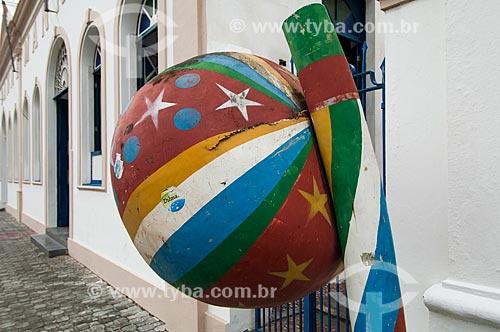 Assunto: Orelhão em formato de berimbau / Local: Cachoeira - Bahia (BA) - Brasil / Data: 12/2010