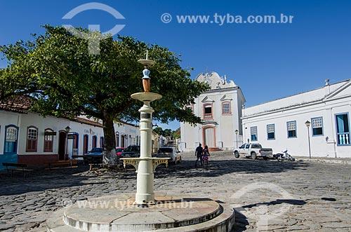 Assunto: Chafariz e ao fundo Igreja da Boa Morte   - Museu de Arte Sacra  / Local: Goiás - Goias (GO) - Brasil / Data: 05/2012