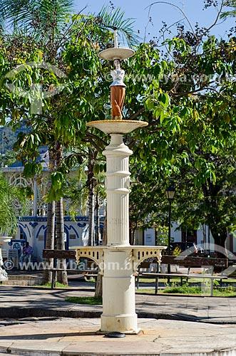 Assunto: Chafariz com Praça Castelo Branco ao fundo / Local: Goiás - Goias (GO) - Brasil / Data: 05/2012
