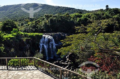 Assunto: Cachoeira Véu de Noiva no Ribeirão das Antas / Local: Poços de Caldas - Minas Gerais (MG) - Brasil / Data: 04/2014