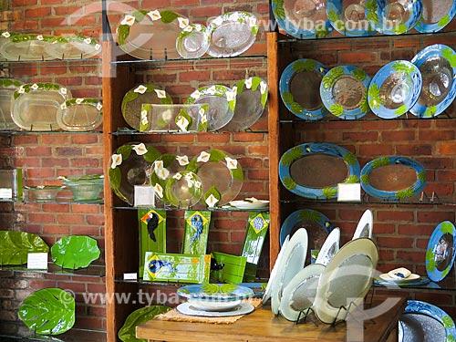 Assunto: Baixelas e travessas de vidro à venda na loja feito a dois / Local: Canela - Rio Grande do Sul (RS) - Brasil / Data: 04/2014