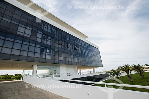 Assunto: Fachada da biblioteca do Centro Cultural Oscar Niemeyer (2006) / Local: Goiânia - Goiás (GO) - Brasil / Data: 05/2014