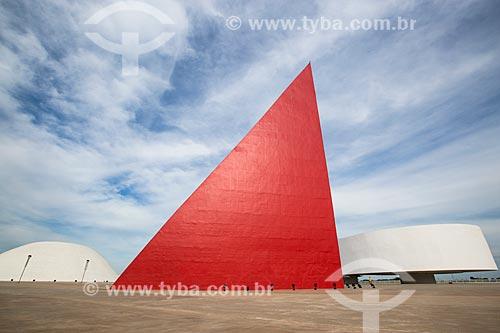 Assunto: Palácio da Música Belkiss Spenzièri, Monumento aos Direitos Humanos e o Museu de Arte Contemporânea (2006) - partes do Centro Cultural Oscar Niemeyer / Local: Goiânia - Goiás (GO) - Brasil / Data: 05/2014