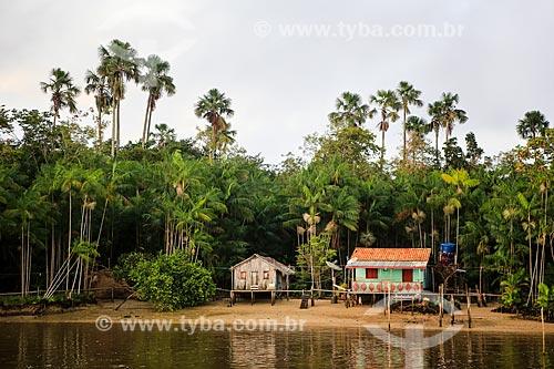 Assunto: Casa às margens do Rio Macujubim próximo a cidade de Breves / Local: Breves - Pará (PA) - Brasil / Data: 03/2014