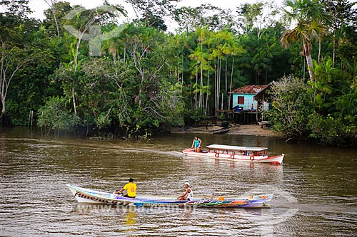 Assunto: Barcos no Rio Macujubim próximo a cidade de Breves / Local: Breves - Pará (PA) - Brasil / Data: 03/2014