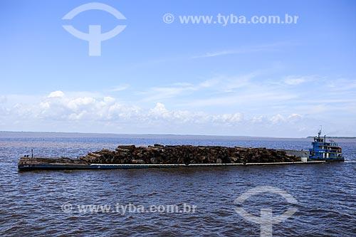 Assunto: Balsa transportando madeira / Local: Breves - Pará (PA) - Brasil / Data: 03/2014