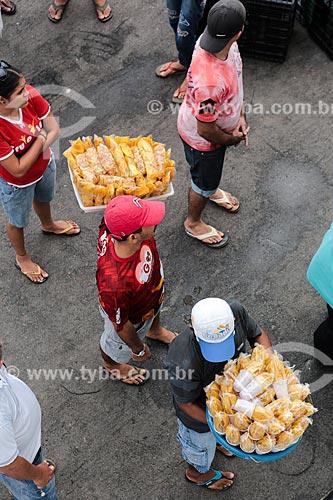 Assunto: Comércio ambulante de banana frita - tiras de banana pacovã fritas e salgada / Local: Itacoatiara - Amazonas (AM) - Brasil / Data: 03/2014