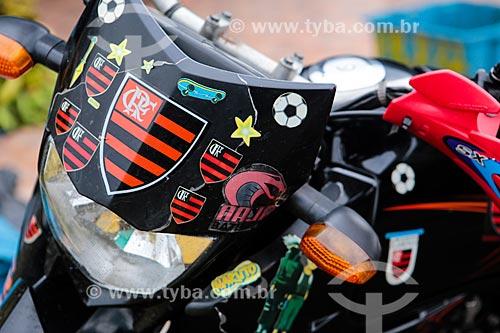 Assunto: Motocicleta decorada com adesivos / Local: Manaus - Amazonas (AM) - Brasil / Data: 04/2014