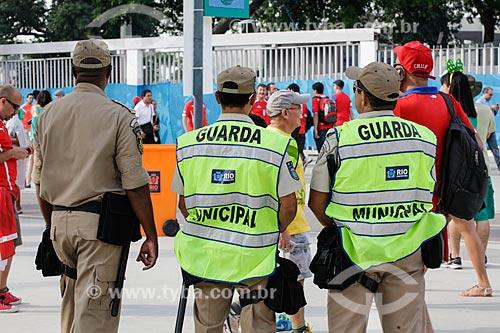 Assunto: Policiamento próximo ao Estádio Jornalista Mário Filho - também conhecido como Maracanã - antes do jogo entre Espanha x Chile / Local: Maracanã - Rio de Janeiro (RJ) - Brasil / Data: 06/2014