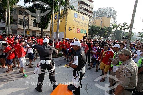 Assunto: Policiamento no local onde houve a invasão ao Estádio Jornalista Mário Filho - também conhecido como Maracanã - antes do jogo entre Espanha x Chile / Local: Maracanã - Rio de Janeiro (RJ) - Brasil / Data: 06/2014