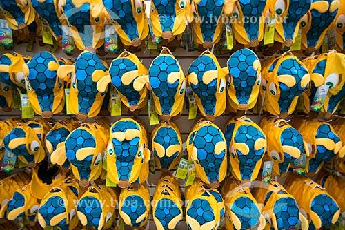 Assunto: Bonés do Fuleco - mascote oficial da Copa do Mundo FIFA de 2014 - à venda na Fifa Fan Fest durante a abertura da Copa do Mundo / Local: Copacabana - Rio de Janeiro (RJ) - Brasil / Data: 06/2014
