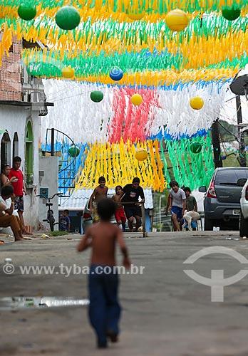 Assunto: Rua enfeitada com as cores do Brasil para a Copa do Mundo / Local: Compensa - Manaus - Amazonas (AM) - Brasil / Data: 06/2014