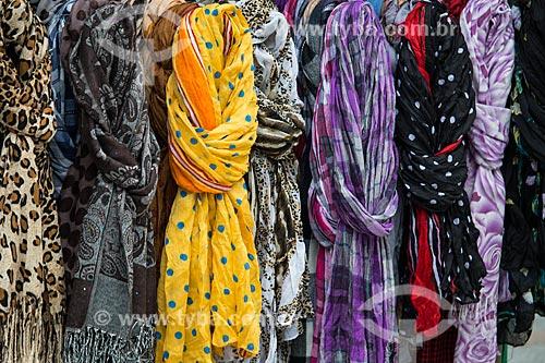 Assunto: Echarpes à venda na Rua do Catete / Local: Catete - Rio de Janeiro (RJ) - Brasil / Data: 06/2014