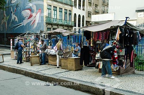 Assunto: Vendedor ambulante na Rua da Quitanda / Local: Centro - Rio de Janeiro (RJ) - Brasil / Data: 10/2013