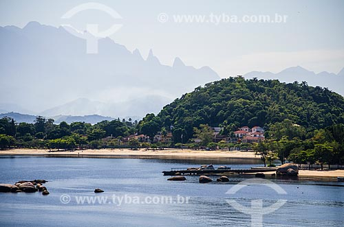 Assunto: Vista do pico Dedo de Deus a partir da Ilha de Paquetá / Local: Paquetá - Rio de Janeiro (RJ) - Brasil / Data: 05/2014