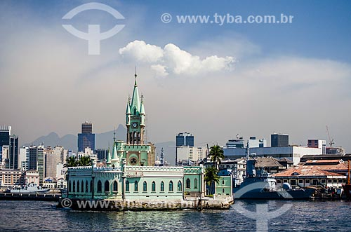 Assunto: Vista da Ilha Fiscal a partir da Baía de Guanabara / Local: Centro - Rio de Janeiro (RJ) - Brasil / Data: 05/2014