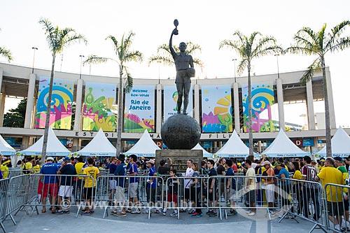 Assunto: Fila para entrada no Estádio Jornalista Mário Filho (1950) - também conhecido como Maracanã - antes do jogo entre Equador x França / Local: Maracanã - Rio de Janeiro (RJ) - Brasil / Data: 06/2014