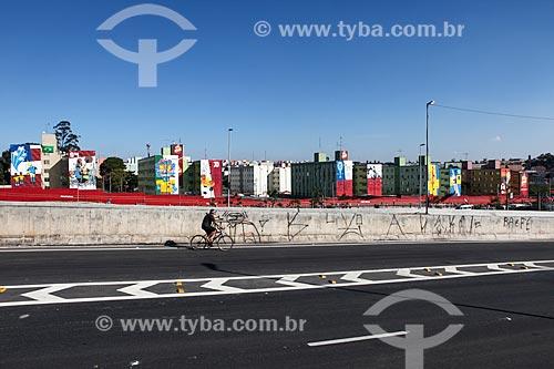 Assunto: Prédios decorados próximo à Arena Corinthians / Local: Itaquera - São Paulo (SP) - Brasil / Data: 06/2014