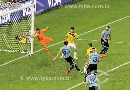 Assunto: Momento do segundo gol de James Rodríguez para a Colômbia no jogo entre Colômbia x Uruguai pela Copa do Mundo no Brasil / Local: Maracanã - Rio de Janeiro (RJ) - Brasil / Data: 06/2014