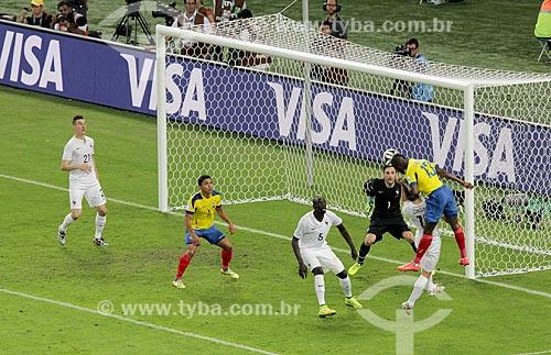 Assunto: Cabeceio do atacante Enner Valencia durante o jogo entre Equador x França pela Copa do Mundo no Brasil / Local: Maracanã - Rio de Janeiro (RJ) - Brasil / Data: 06/2014