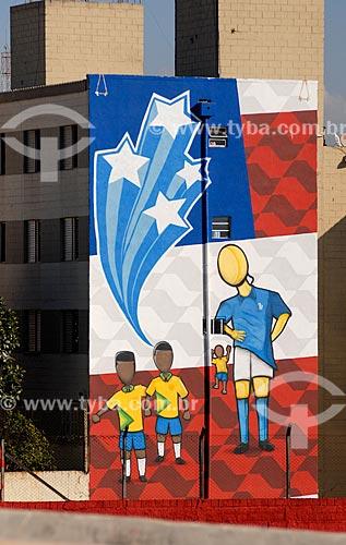 Assunto: Prédio decorado próximo à Arena Corinthians durante a Copa do Mundo no Brasil / Local: Itaquera - São Paulo (SP) - Brasil / Data: 06/2014