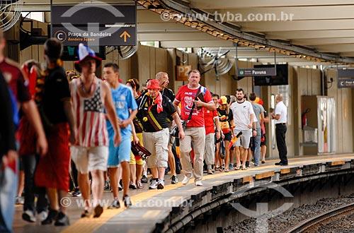 Assunto: Torcedores desembarcando do metrô - Estação Maracanã - indo ao jogo entre Bélgica x Rússia / Local: Maracanã - Rio de Janeiro (RJ) - Brasil / Data: 06/2014