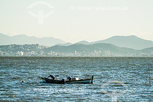 Assunto: Barco de pescadores na Praia de Santo Antônio de Lisboa / Local: Santo Antônio de Lisboa - Florianópolis - Santa Catarina (SC) - Brasil / Data: 05/2014