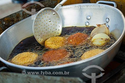 Assunto: Detalhe do acarajé sendo frito / Local: Salvador - Bahia (BA) - Brasil / Data: 12/2010