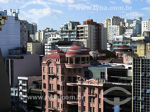 Assunto: Casa de Cultura Mario Quintana (1933) - antigo Hotel Majestic - com prédios ao fundo / Local: Porto Alegre - Rio Grande do Sul (RS) - Brasil / Data: 04/2014