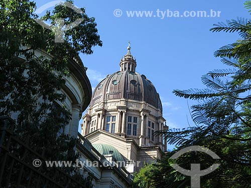 Assunto: Cúpula da Catedral Metropolitana de Porto Alegre (1929) durante o inverno / Local: Porto Alegre - Rio Grande do Sul (RS) - Brasil / Data: 05/2014