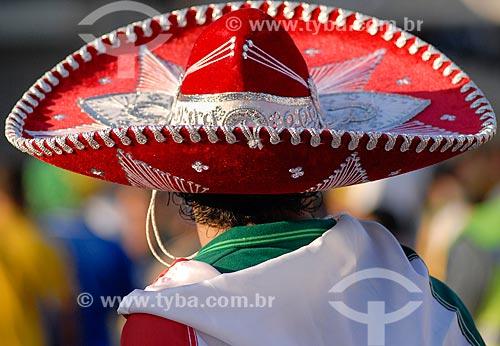Assunto: Torcedor mexicano proximo ao Estádio Jornalista Mário Filho durante a Copa do Mundo no Brasil / Local: Maracanã - Rio de Janeiro (RJ) - Brasil / Data: 06/2014