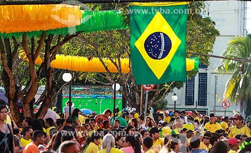 Assunto: Torcedores assistindo ao jogo entre Brasil x Croácia na Praça do Caranguejo - também conhecida como Praça do Eldorado / Local: Manaus - Amazonas (AM) - Brasil / Data: 06/2014