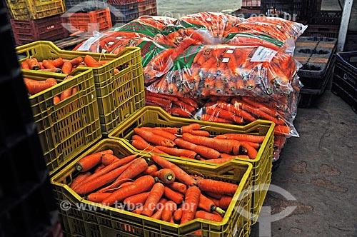 Assunto: Cenouras embaladas para comercialização / Local: Tapiraí - São Paulo (SP) - Brasil / Data: 04/2014