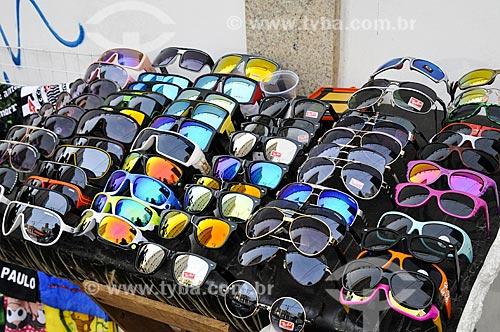 Assunto: Vendedor ambulante de óculos / Local: Londrina - Paraná (PR) - Brasil / Data: 04/2014