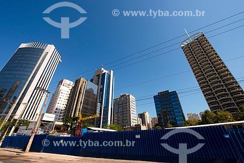 Assunto: Edifício em construção na Avenida Juscelino Kubitschek / Local: Itaim Bibi - São Paulo (SP) - Brasil / Data: 03/2014