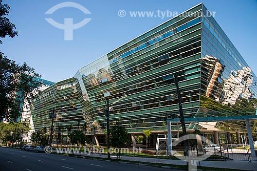 Assunto: Fachada do edifício comercial Faria Lima 3.500 da Tishman Speyer - atual sede do Banco Itaú / Local: Itaim Bibi - São Paulo (SP) - Brasil / Data: 03/2014
