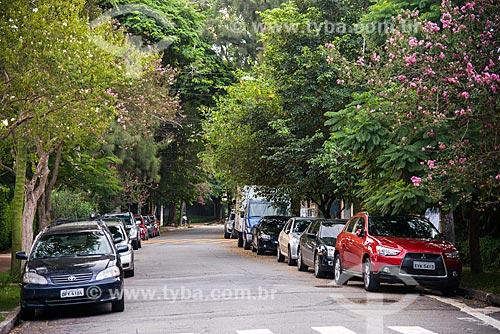 Assunto: Carros estacionados na Rua Zapara - Vila Madalena / Local: Pinheiros - São Paulo (SP) - Brasil / Data: 03/2014