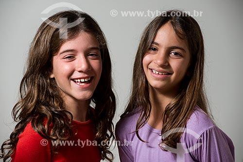Meninas de 09 anos: Marina Silva e Mariana Fonseca  - Brasil