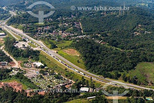 Congestionamento na Rodovia Régis Bittencourt (BR-116)  - Juquitiba - São Paulo (SP) - Brasil