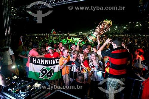 Torcedores alemães na Praia do Leme comemorando a vitória da Alemanha na final da Copa do Mundo 2014  - Rio de Janeiro - Rio de Janeiro (RJ) - Brasil