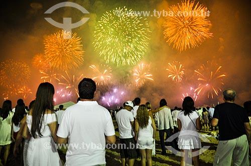 Fogos de artifício na Praia de Copacabana durante o réveillon  - Rio de Janeiro - Rio de Janeiro (RJ) - Brasil