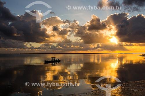 Nascer do sol na Praia dos Carneiros  - Tamandaré - Pernambuco (PE) - Brasil