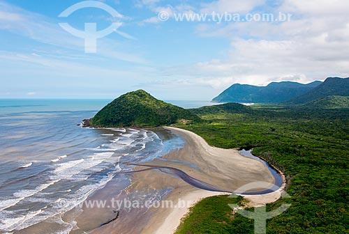 Praia do Una e foz do Rio Verde com Morro do Grajaúna em primeiro plano - Estação Ecológica de Juréia-Itatins   - Iguape - São Paulo (SP) - Brasil