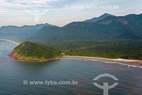 Morro do Grajaúna com Praia do Una à direita e Praia do Rio Verde ao fundo - Estação Ecológica de Juréia-Itatins  - Iguape - São Paulo (SP) - Brasil