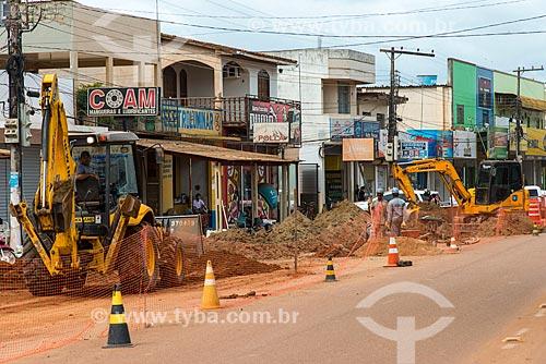 Construção da rede de esgoto doméstica - obra contratada pela Norte Energia como compensação da liberação da construção da Usina de Belo Monte  - Altamira - Pará (PA) - Brasil