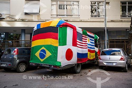 Micro-ônibus alemão estacionado na Rua Bulhões de Carvalho durante a Copa do Mundo no Brasil  - Rio de Janeiro - Rio de Janeiro (RJ) - Brasil