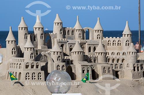 Castelo de areia na Praia de Copacabana durante a Copa do Mundo no Brasil  - Rio de Janeiro - Rio de Janeiro (RJ) - Brasil